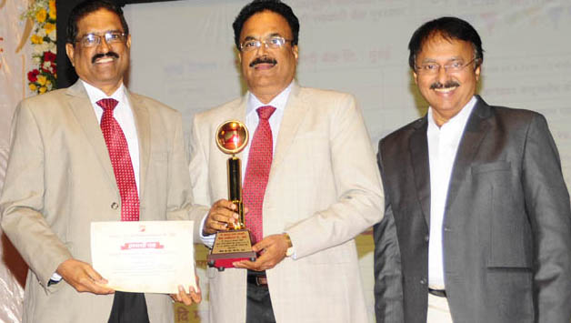 Model Co-op Bank bags Vasantdada Patil award